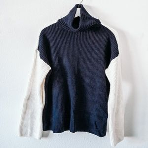 Lou & Grey Navy and White Color Blocked Turtleneck